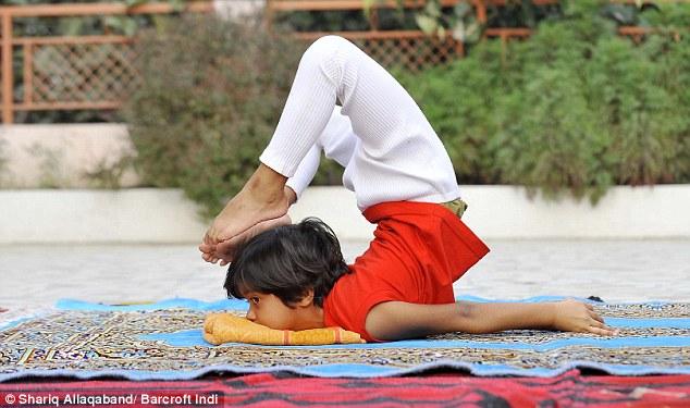 Shruti-Pandey-youngest-yoga-teacher-india