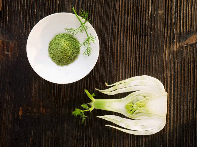 Fleur de sel with fennel, seen from above