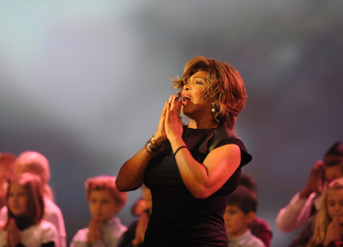 tina-turner-sports-awards-zurich-switzerland-december-11-2011-4