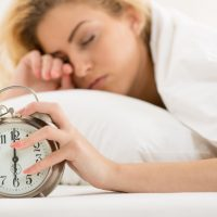 Porque acordar cedo ajuda a emagrecer?